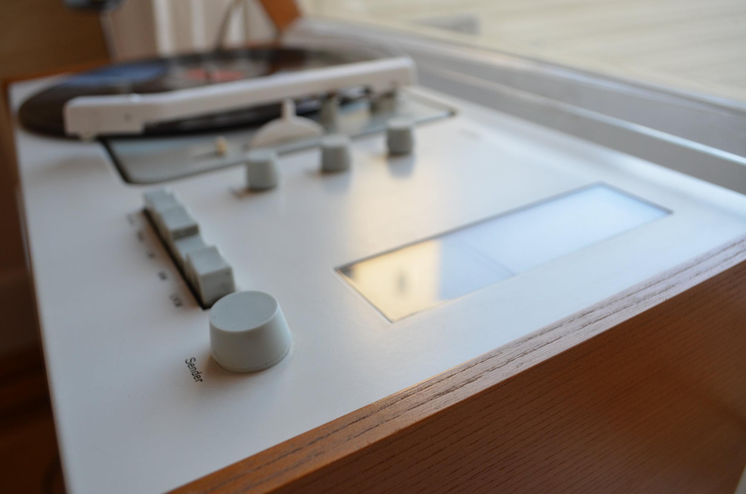 turntable.jpg