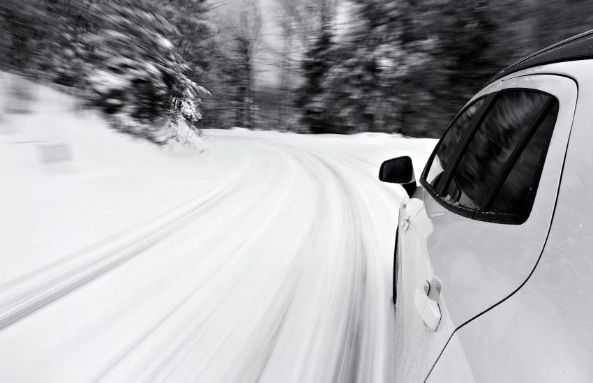 Snow_on_road.jpg