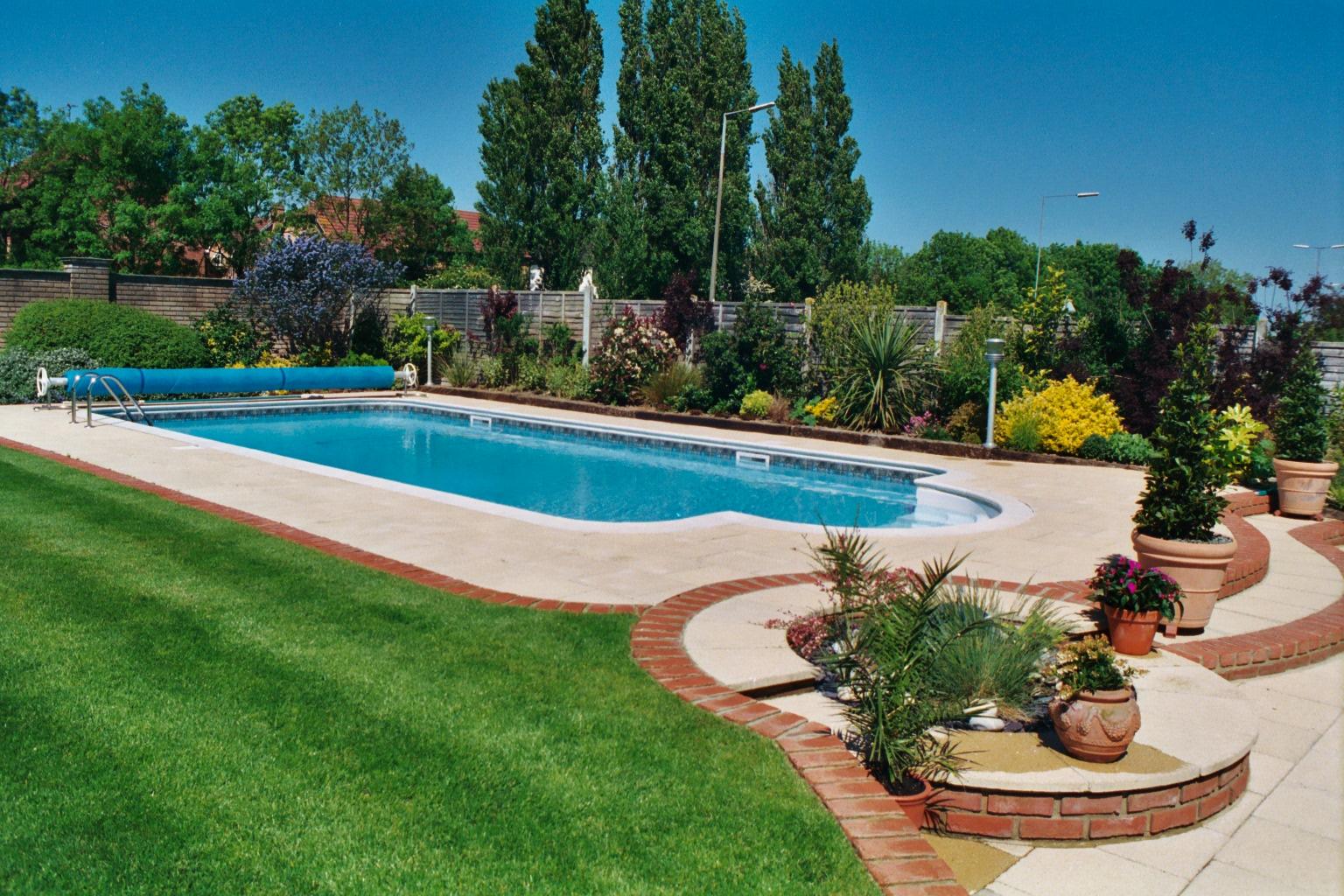 Super Inground Family Pool.JPG