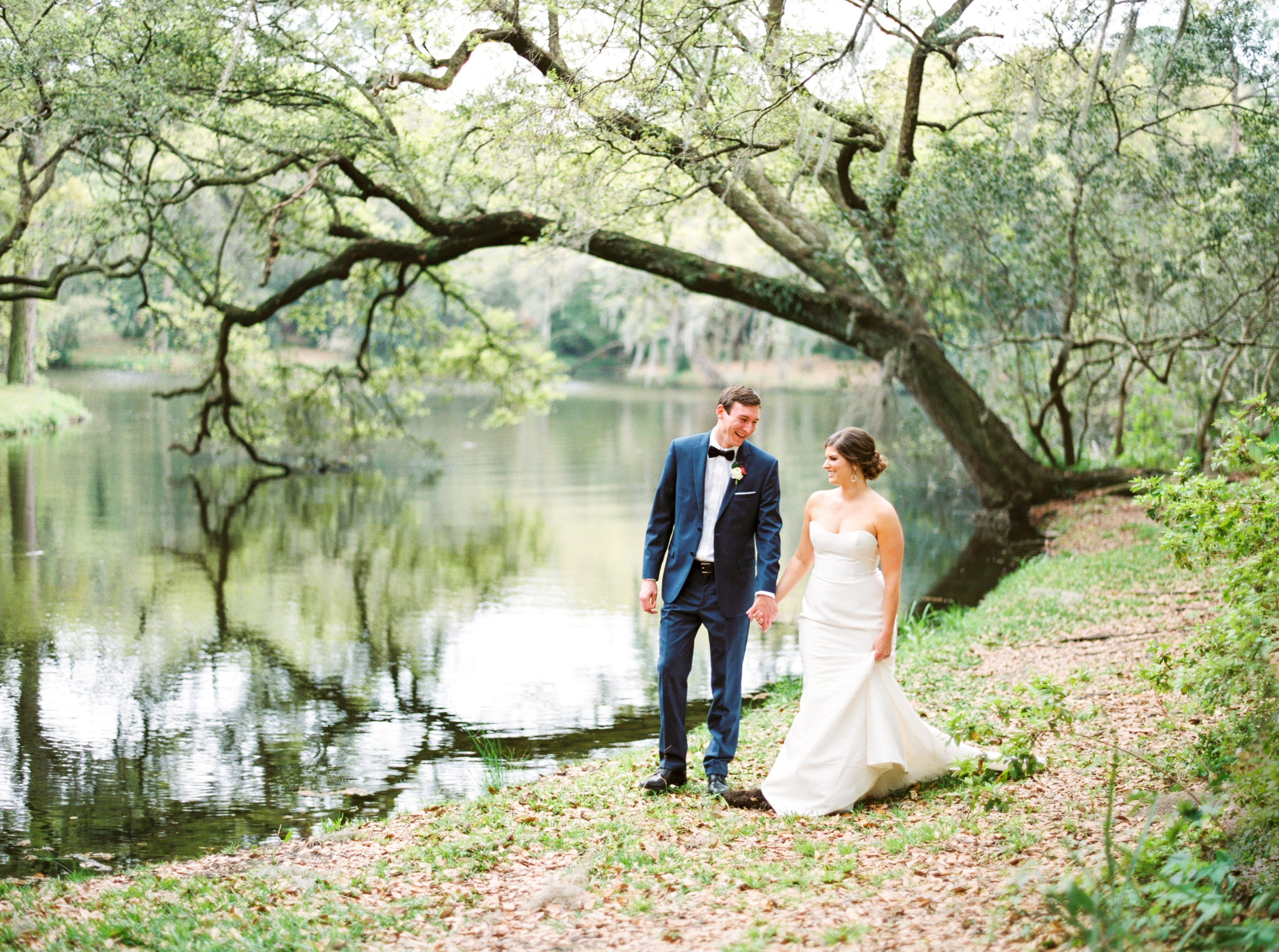 kathleen_and_joe_atkins_jo_photo_pv_takeover_contax645_fuji400h_legare_waring_house_charleston_south_carolina_lashes_and_lace_white_on_daniel_island_mod_events_charleston_sp3000_photovisionprints.jpg