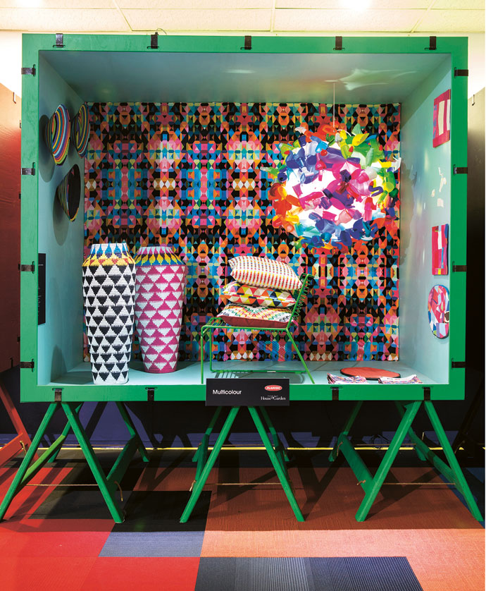< MULTI COLOUR >  Outside Box: Golf Greens G4 A1 -1, Inside Box: Himalaya Sky G6-B1-4, Fabric on wall: Fabric Bank, Recycled bottle pendant lamp: Heath Nash, Recycled flip-flop, Baskets: Gone Rural, Cushions: Black fabrics
