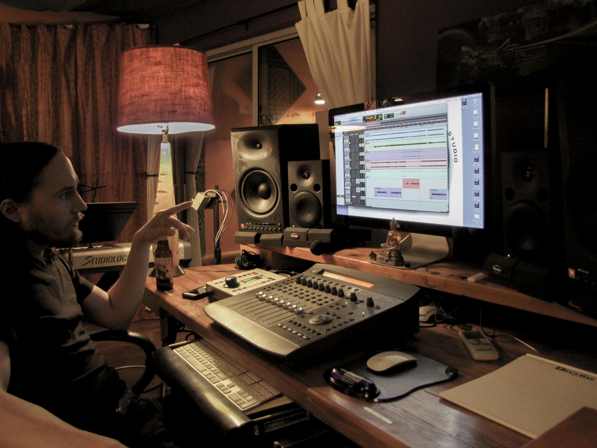 wil pointing studio (1 of 1).jpg