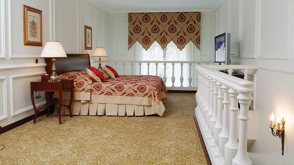 002899-10-Ciragan_Palace_Suite_Bedroom-upstairs.jpg