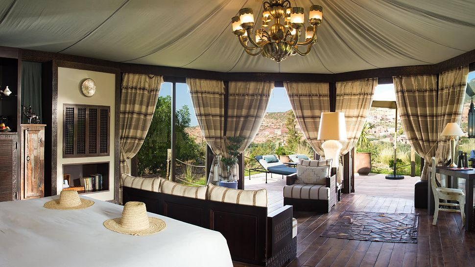 004481-15-tent-bedroom.jpg