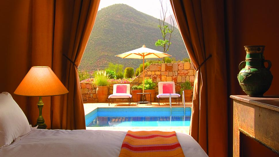 004481-02-bedroom-with-private-pool.jpg