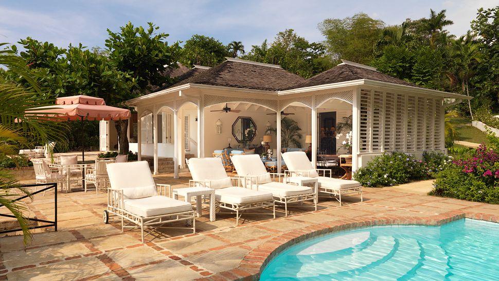 001504-11-villa--pool.jpg