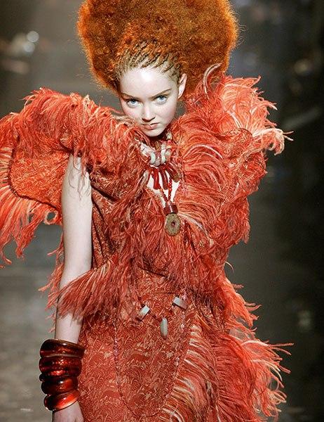 item5.rendition.slideshowVertical.haute-couture-ateliers-book-07-nelly-saunier.jpg