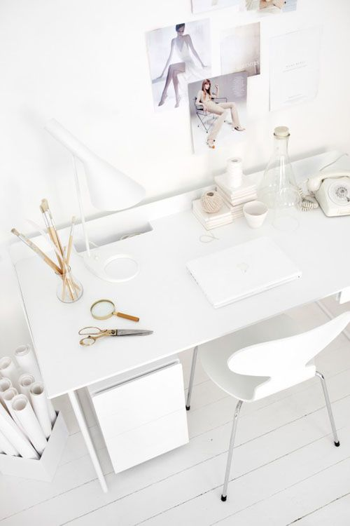 desk_b.jpg