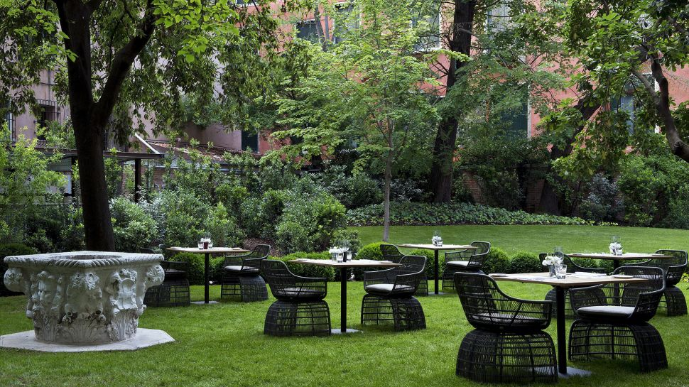011279-12-RS1070_Aman-Canal-Grande-Venice---Garden-Terrace-lpr.jpg