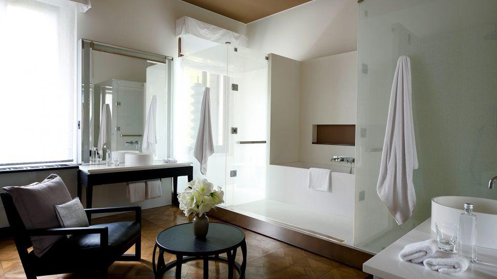011279-01-RS785_Aman-Canal-Grande-Venice---Palazzo-Stanza-Bathroom.jpg