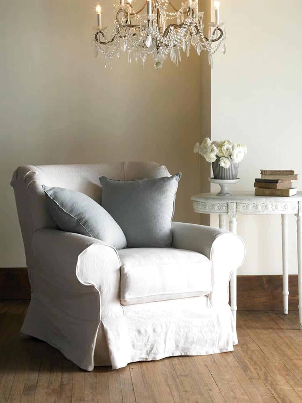 Shabby-Chic-Northampton-Chair-Seating-Furrniture-Design-by-Rachel-Ashwell.jpg