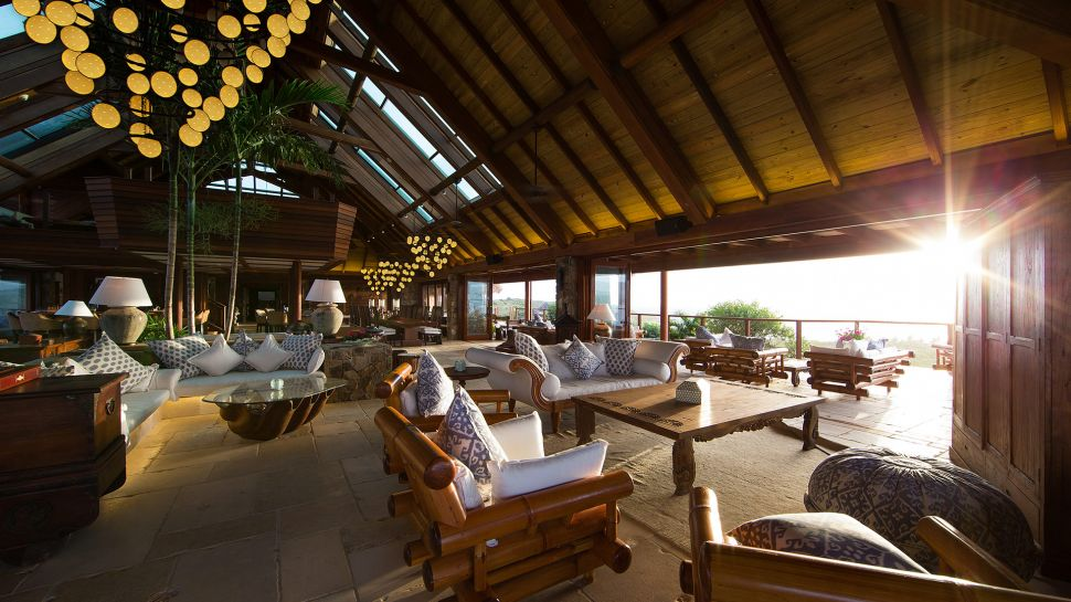 004746-13-necker-island-great-house-main-room.jpg