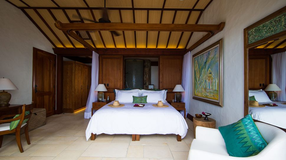004746-18-necker-island-great-house-room-2.jpg