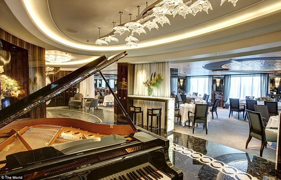 2B4C3AF900000578-3185847-The_12_deck_ship_boasts_six_restaurants_multiple_bars_a_tea_room-a-34_1439377758625.jpg