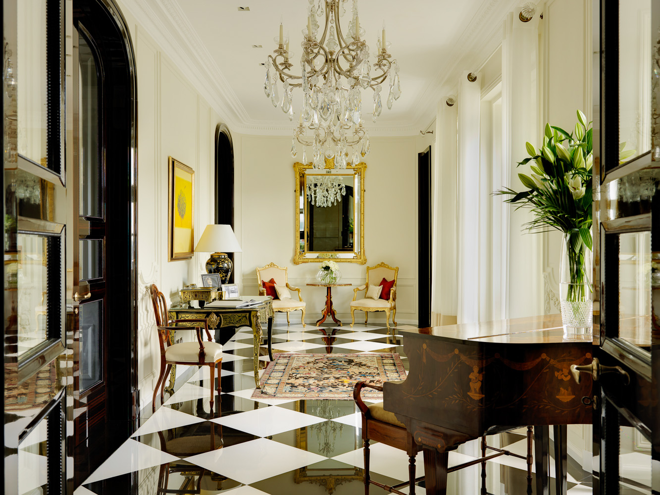 Park_Lane_Entrance_Hall-1.jpg