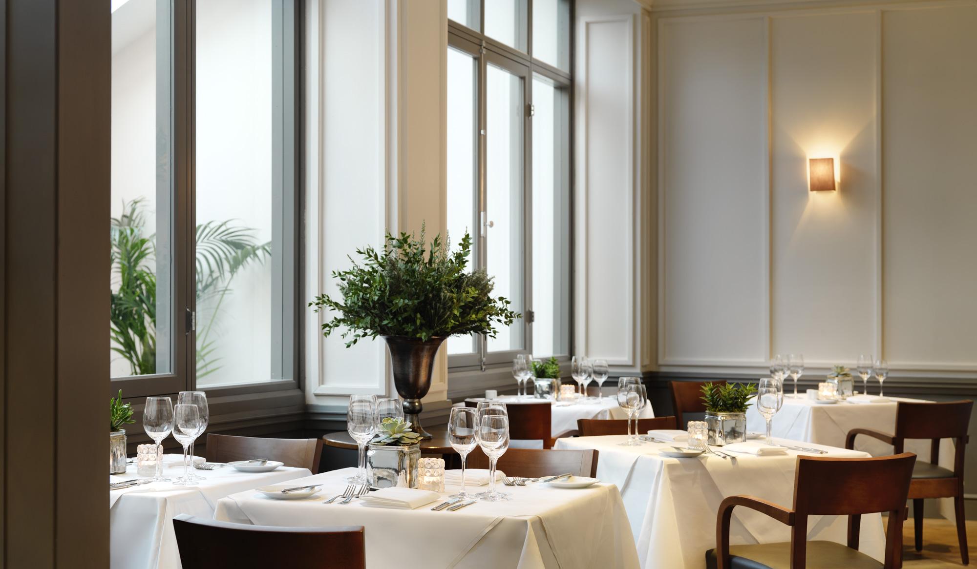Druids Glen Restaurant 2000px-10.jpg