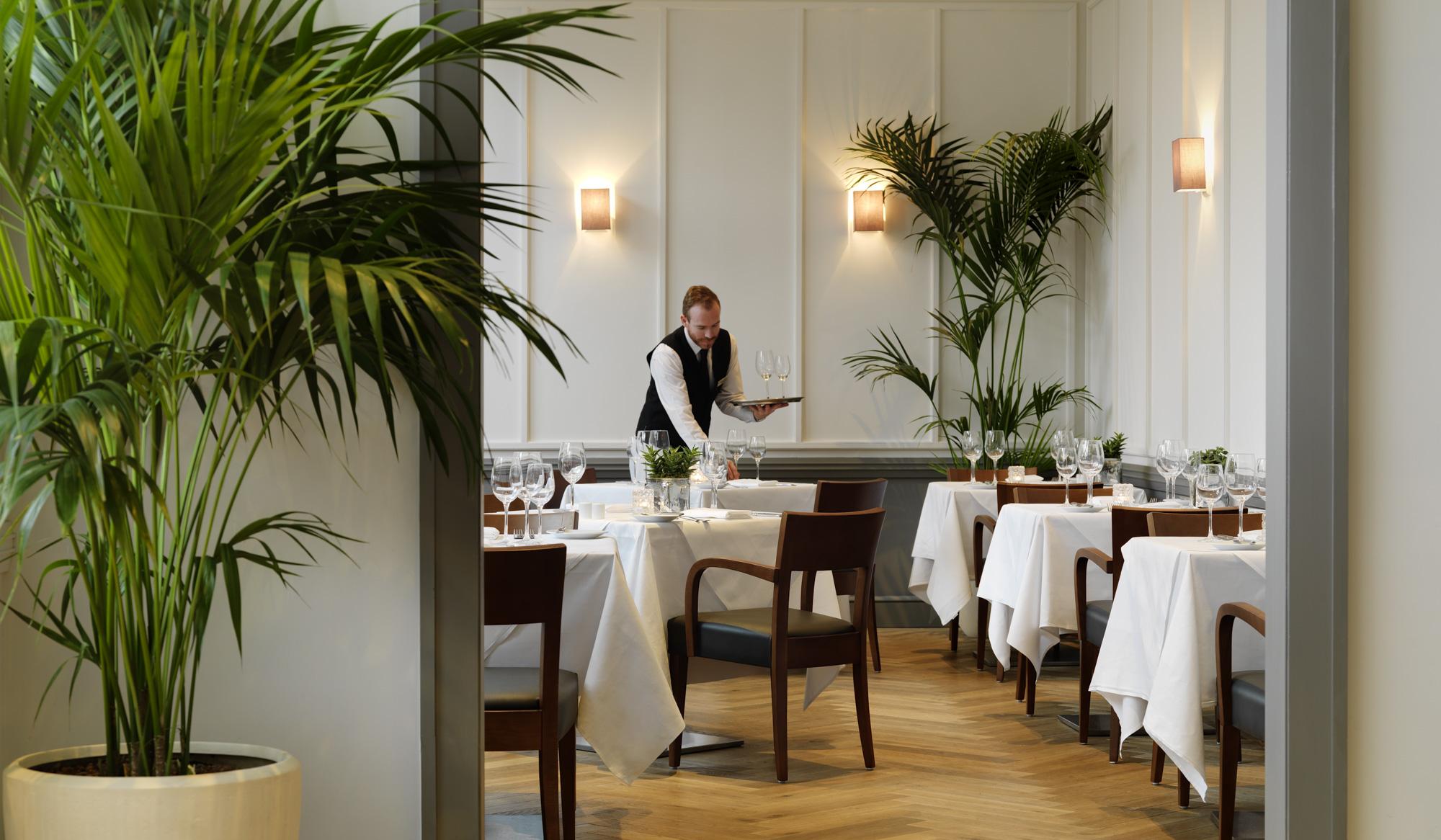 Druids Glen Restaurant 2000px-9.jpg
