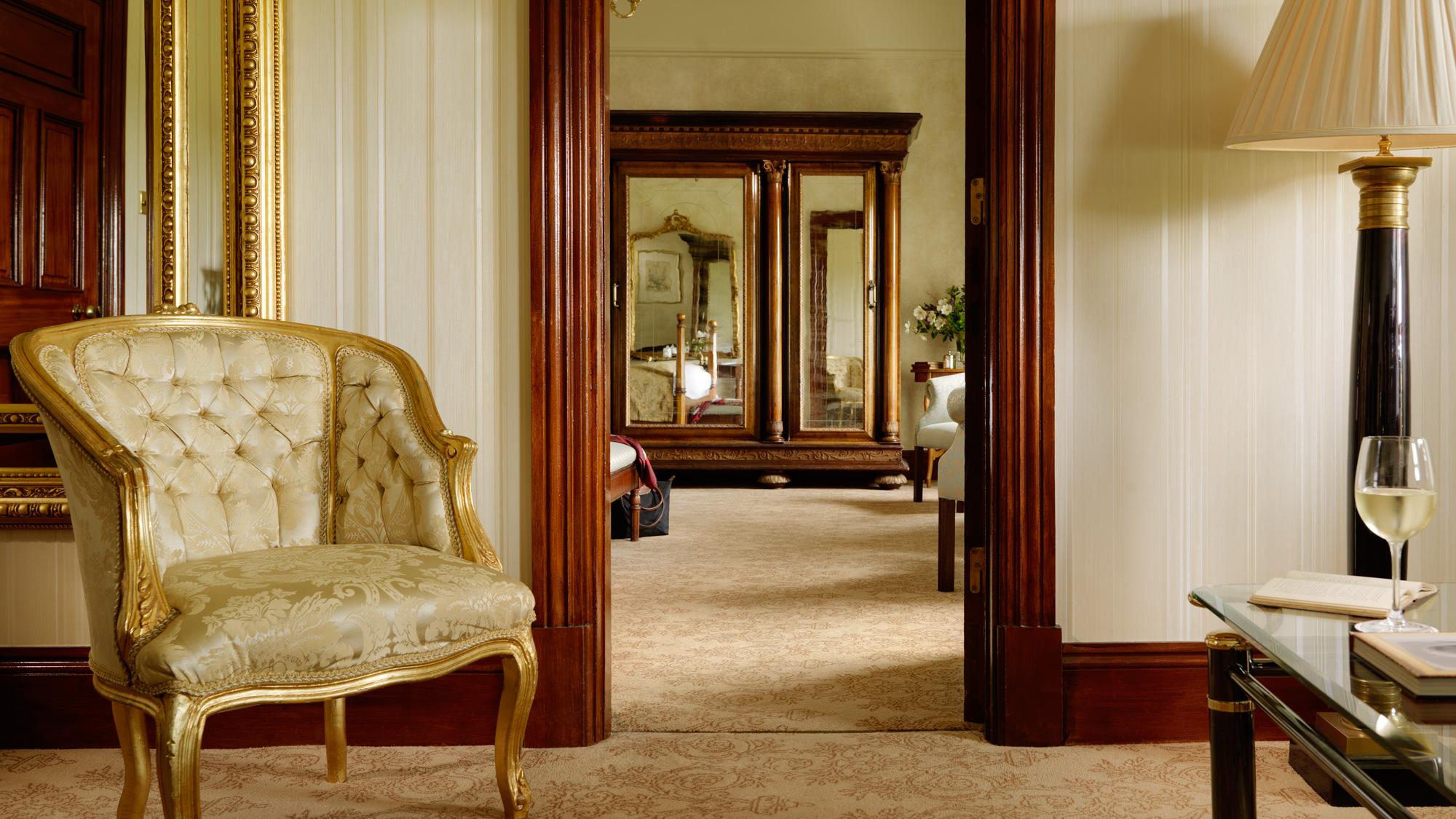 Presidential Suite Lounge FL Glenlo Abbey 2000px.jpg