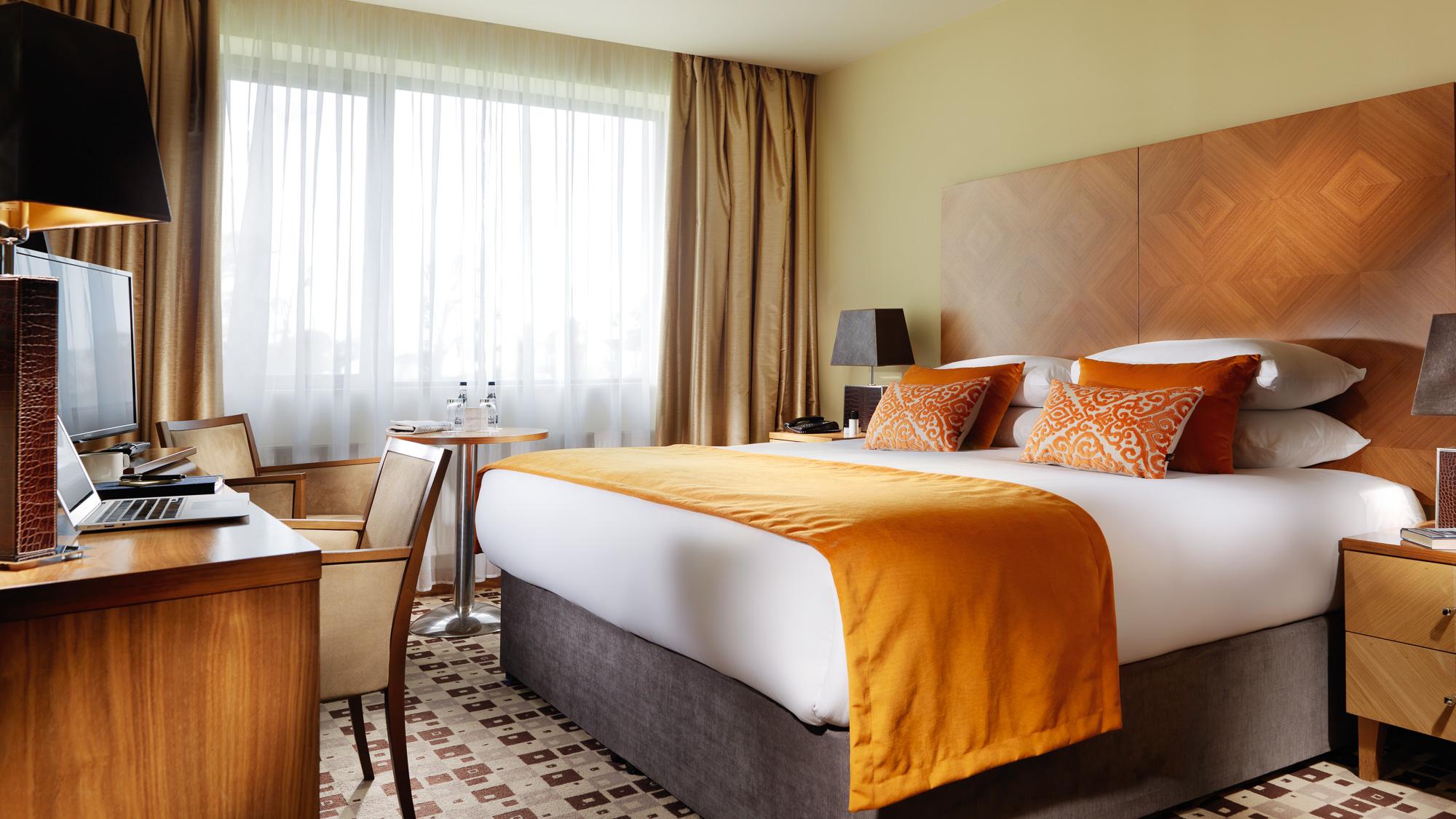 Suite Bedroom FL PT 2000px.jpg
