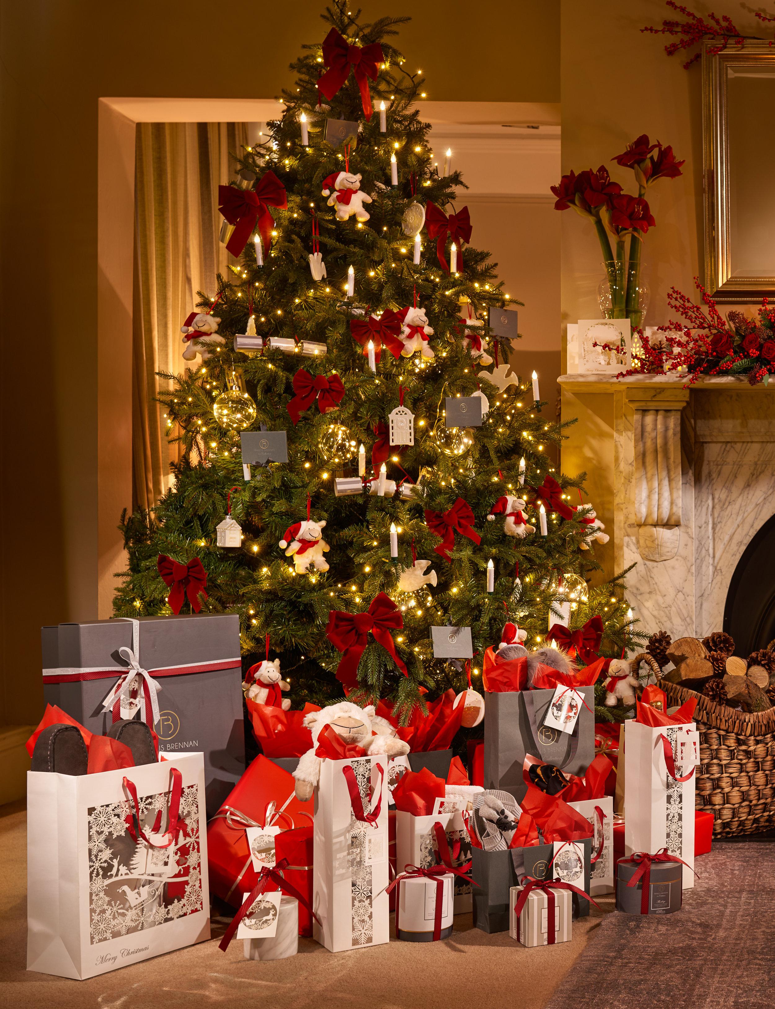 Christmas Tree V1 4000px.jpg