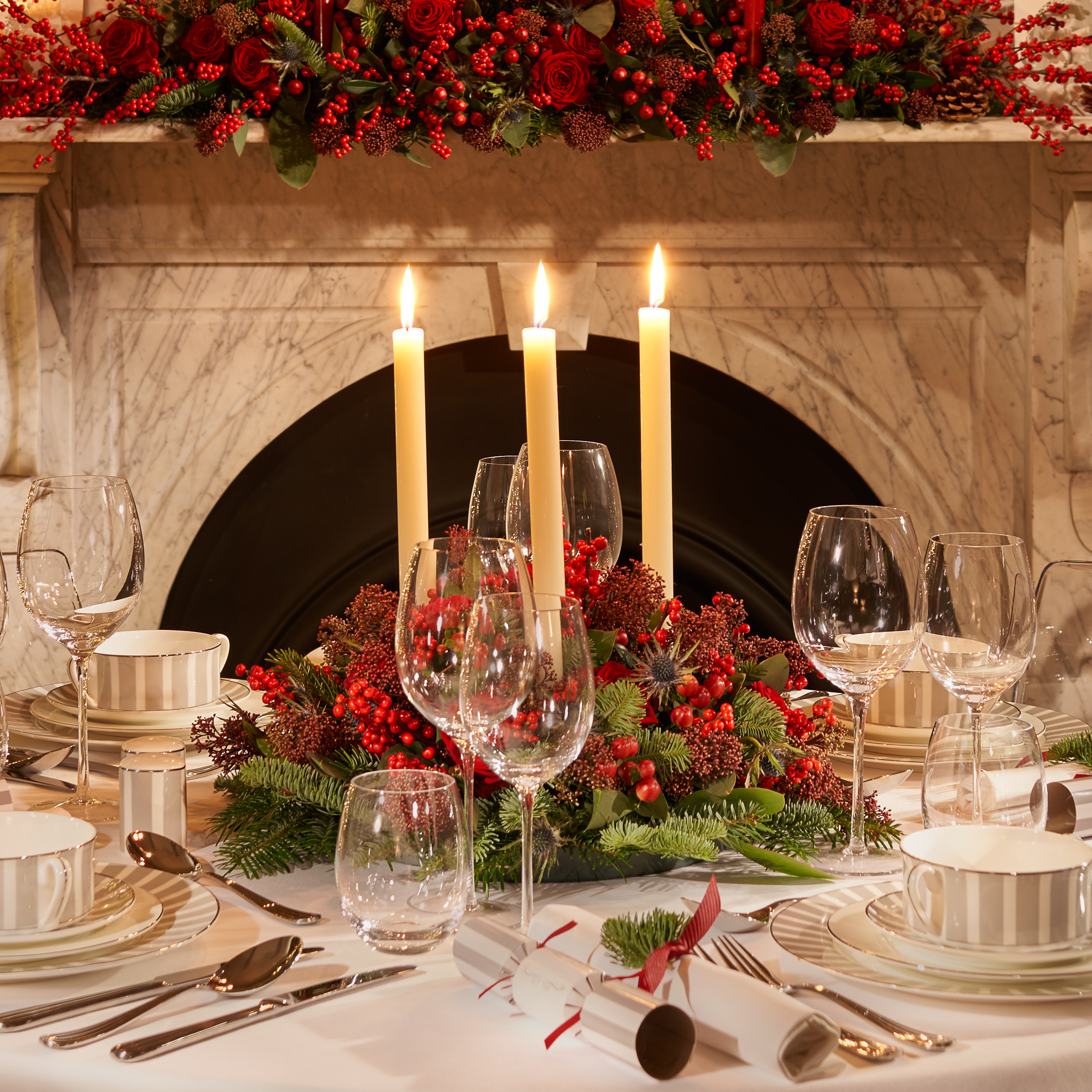 Dining Table Setting FL Close Up 2400px.jpg