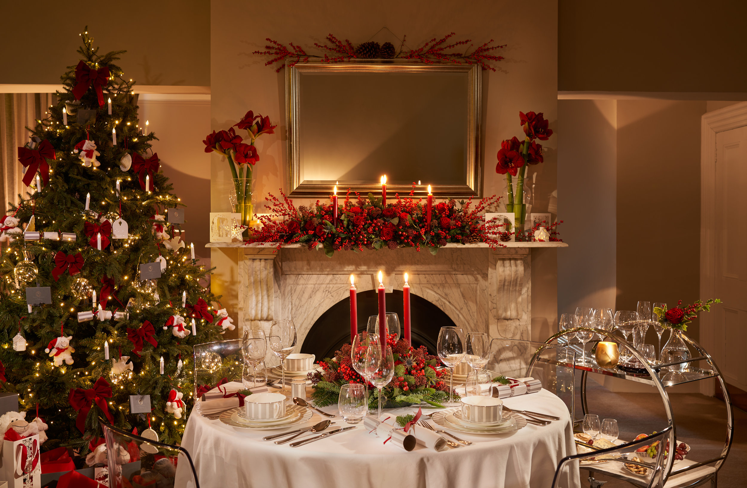 Dining Table Setting Red Candles 5000px.jpg