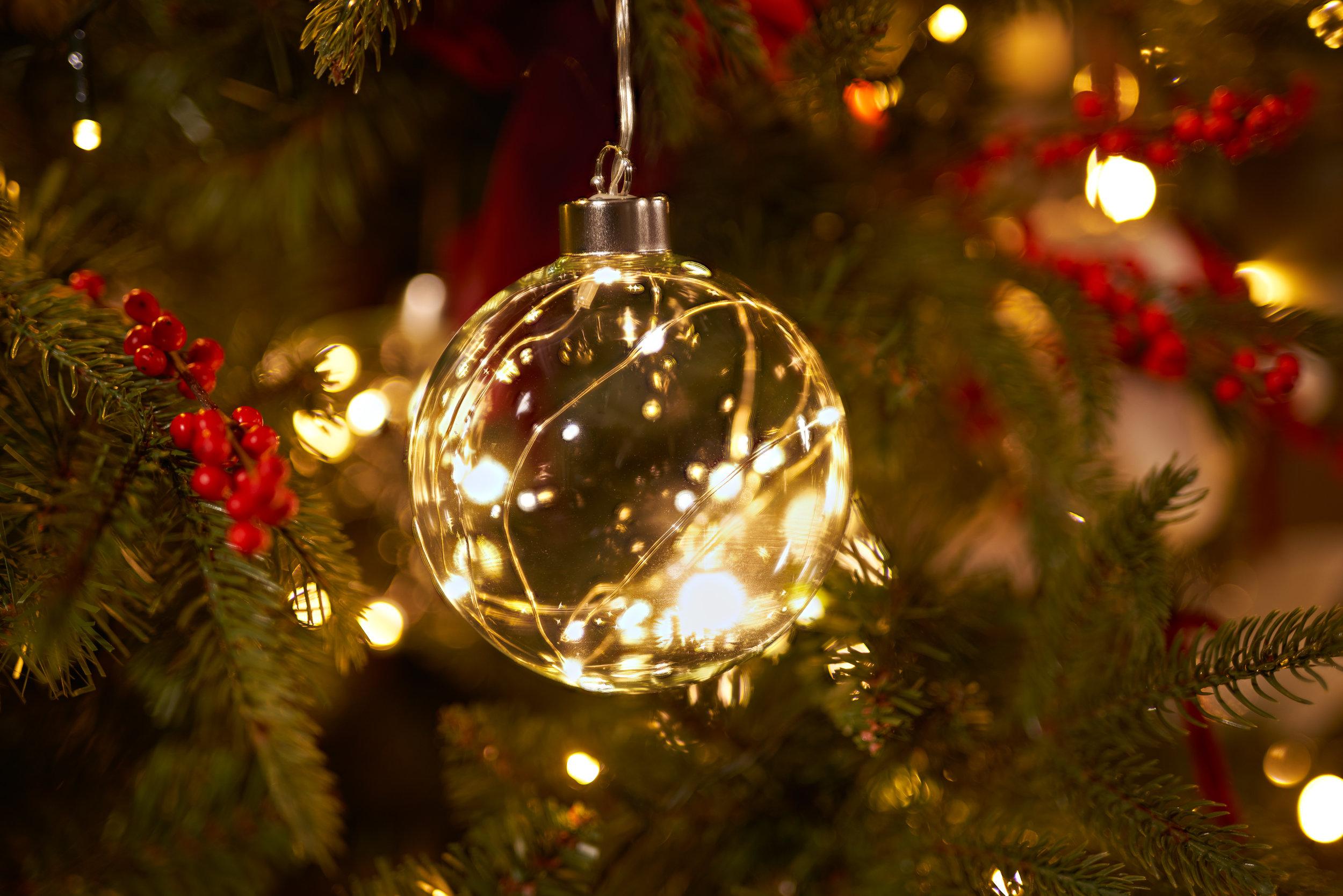 Lighting Bauble Dec 4000px.jpg