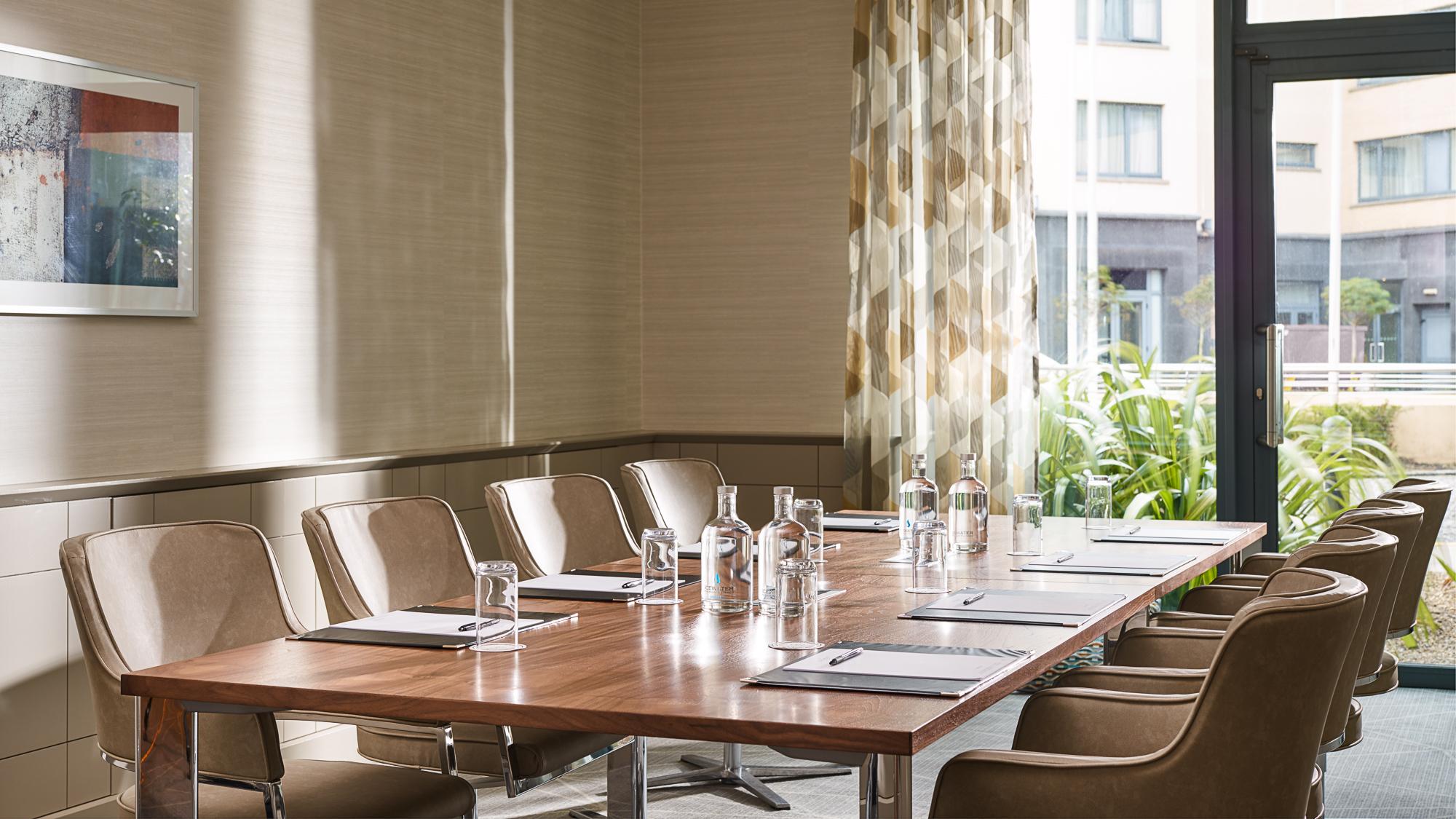 Meeting Room 2000px.jpg