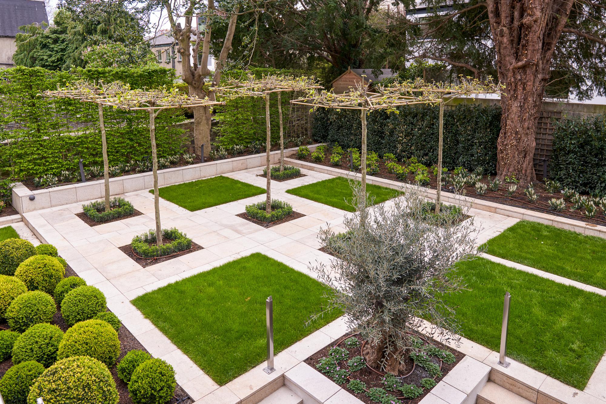 Garden 3 2000px.jpg