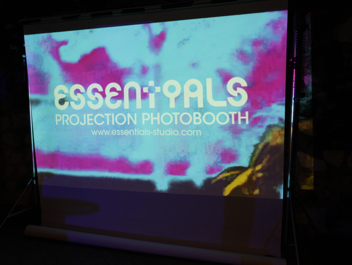 PROJECTION PHOTOBOOTH BY ESSENTIALS