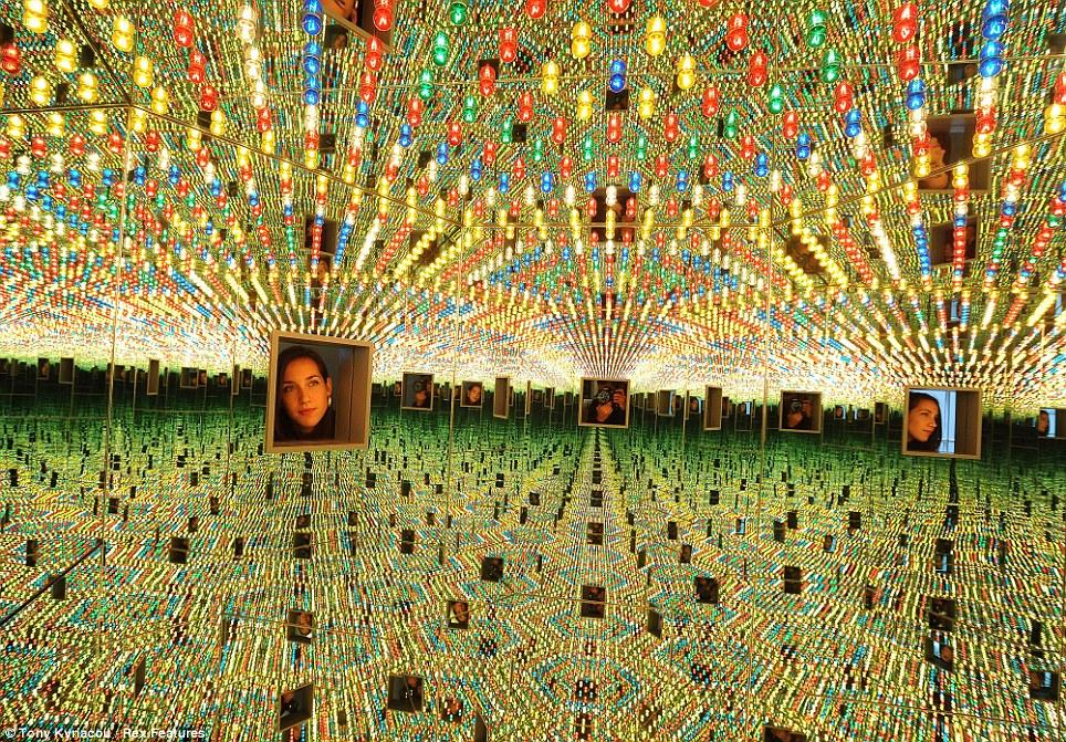 Yayoi Kusama, Love Forever, 2017