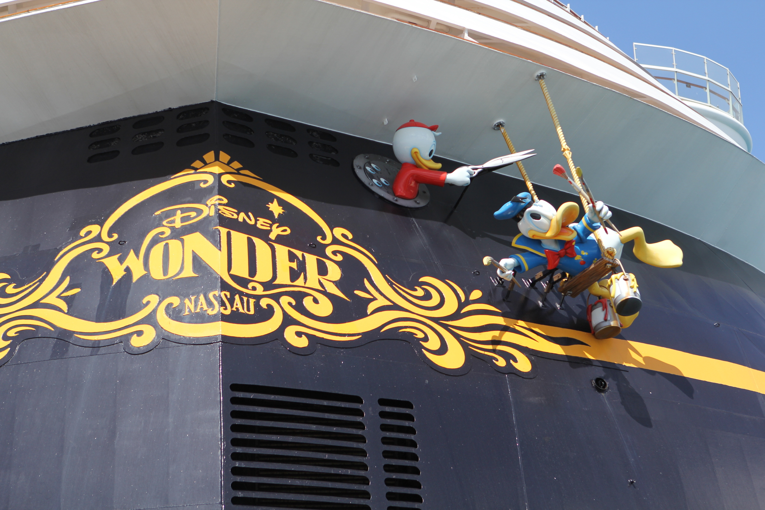 The humorous characters on the stern.