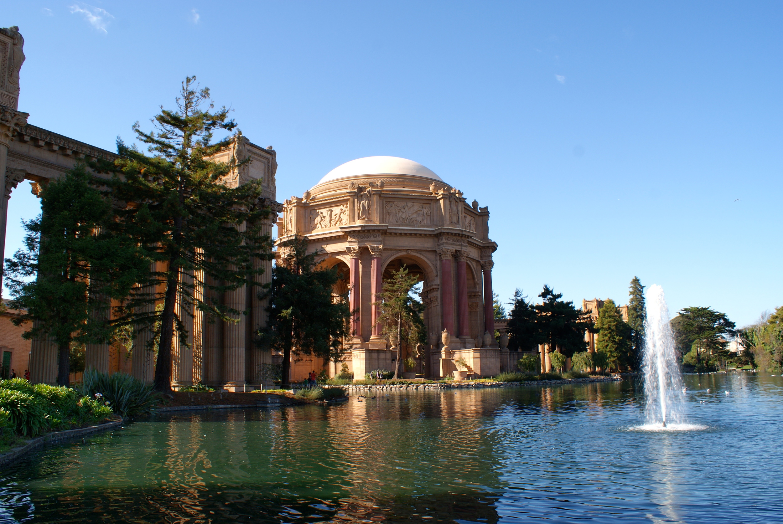 Palace of Fine Arts in San Francisco.  Photo by Rebecca Garland.