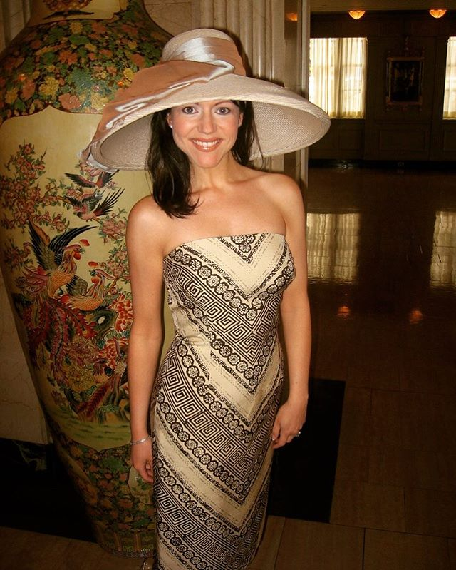 It's Derby Day, y'all! Time for a throwback pic wearing a giant hat before heading to Churchill Downs.