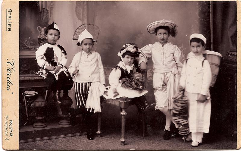 Borislav (sitting, left) with brothers Rastko, Pavle and Dejan; and sister Vladislava / RUMA c. 1902