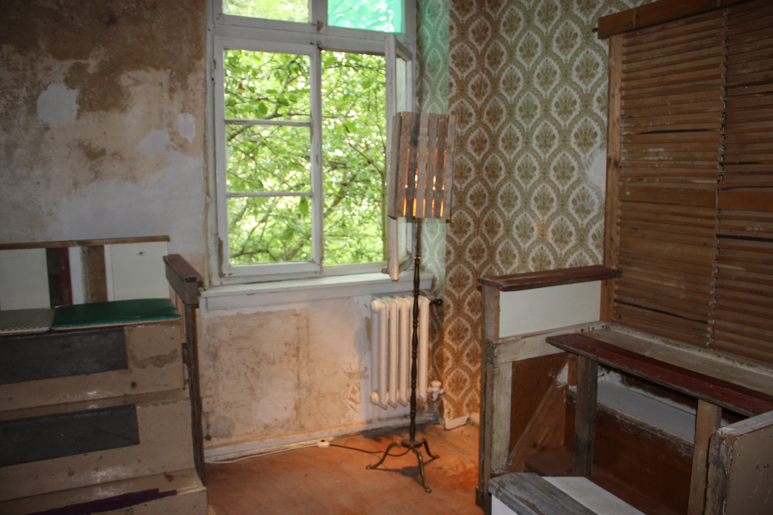 Theaster Gate. Room detail in 12 ballads for the Huguenot House, (2012). © Lucy Rees