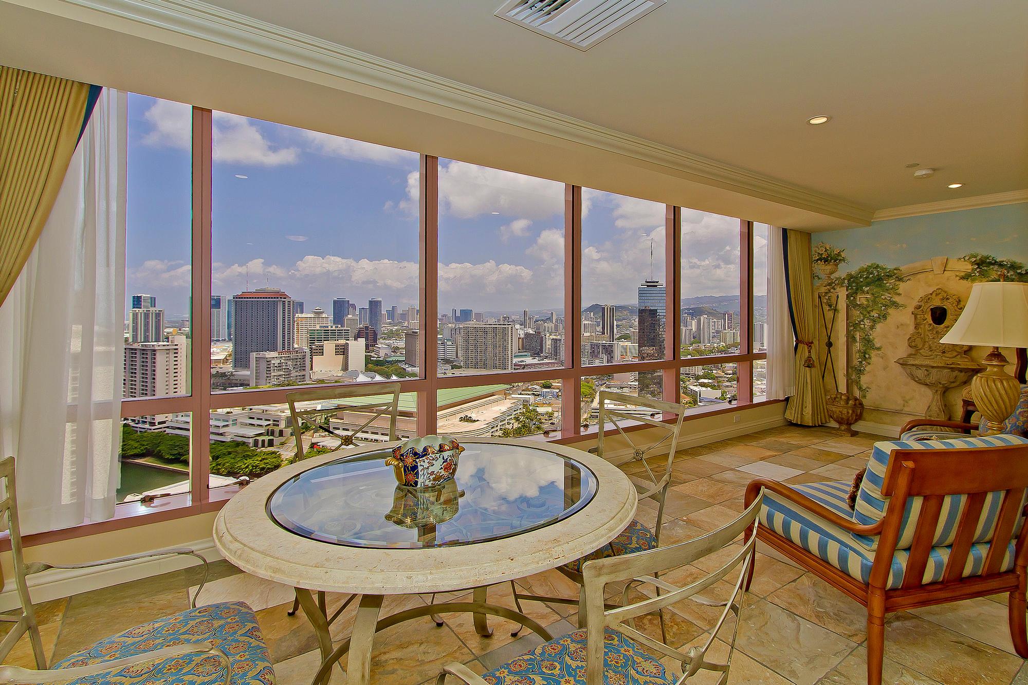 Landmark Waikiki Honolulu HI-print-016-Landmark3503-2000x1333-300dpi.jpg