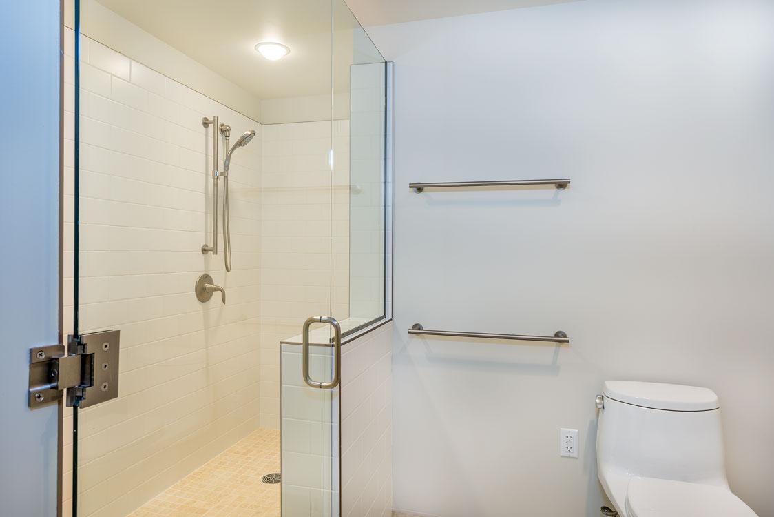 Master Bedroom Bath 2.jpg