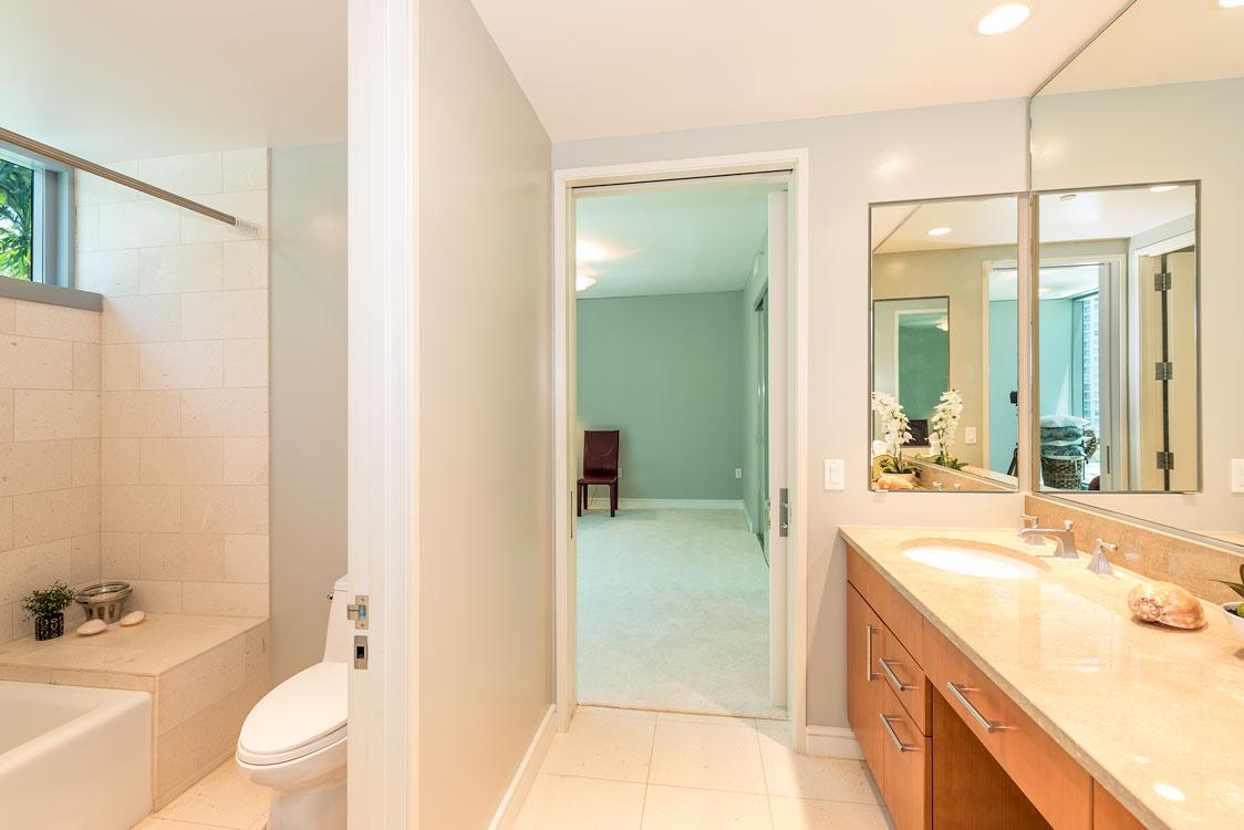 4A Bath2.jpg