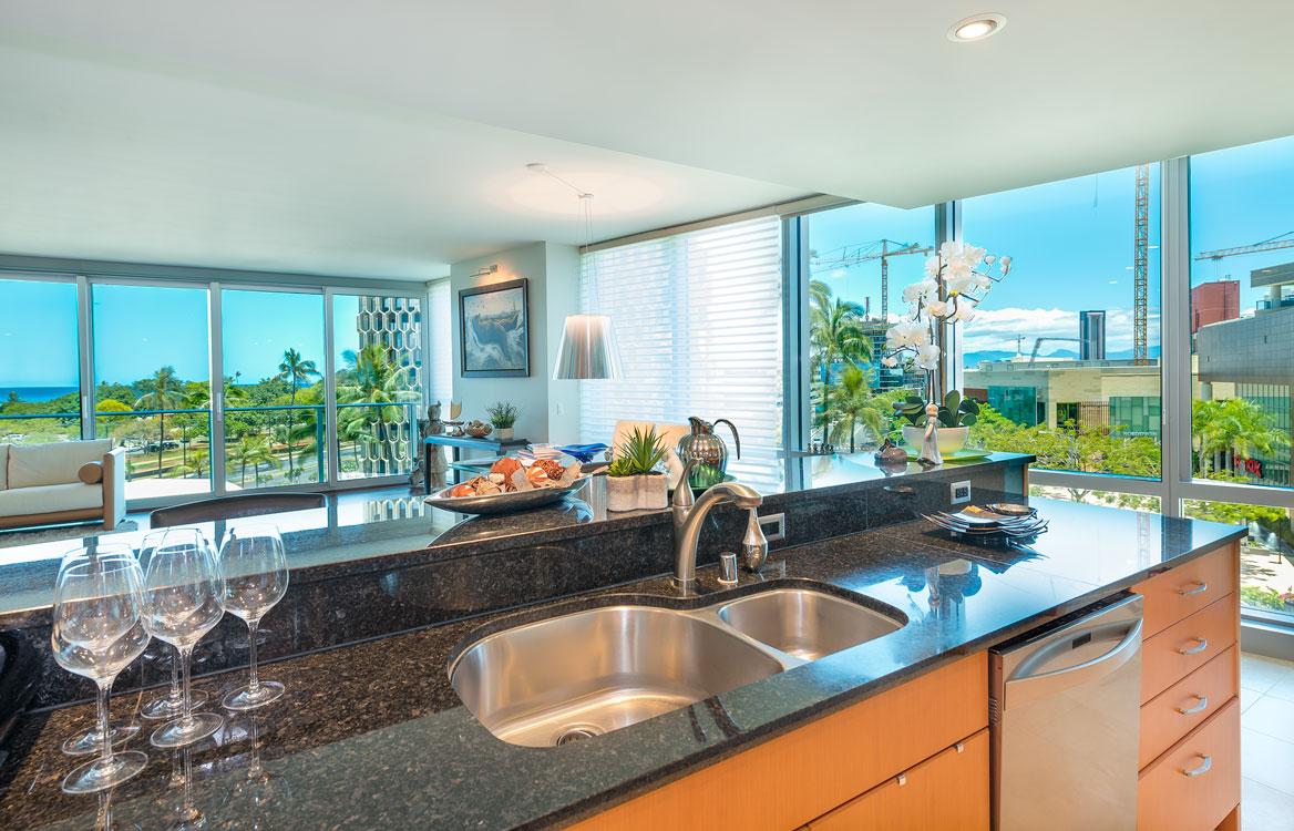4A Kitchen2.jpg