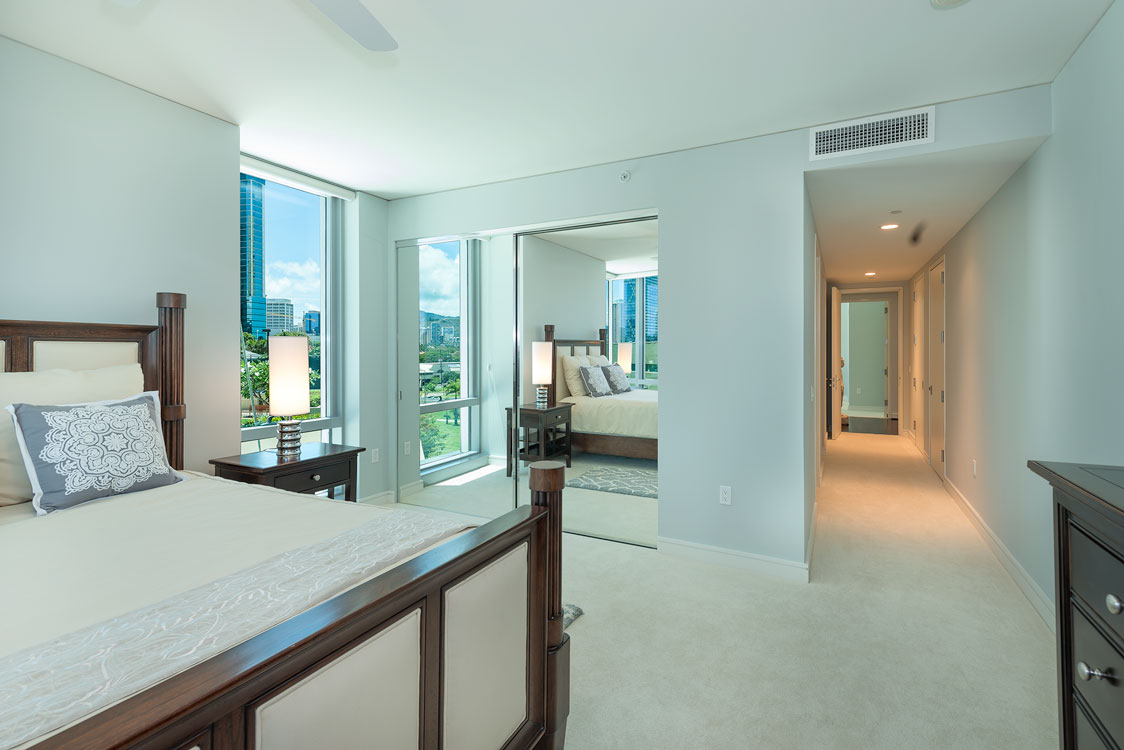 4A Master Bed2 Hallway.jpg