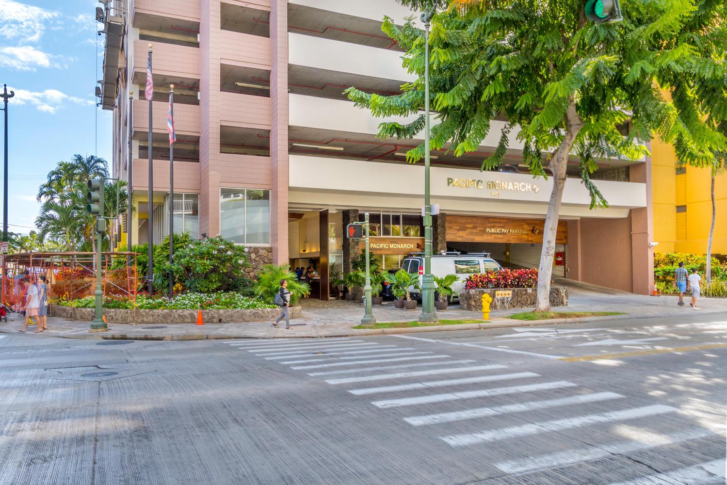 2427 Khi Ave Unit 3103-large-002-6-Kuhio Ave Honolulu HI  96815 -1500x1000-72dpi.jpg
