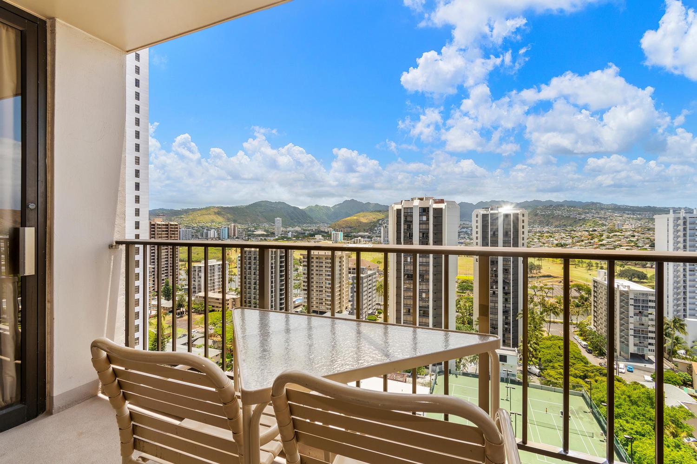 229 Paoakalani Ave Unit 2703-large-002-13-Paoakalani Ave 2703 Honolulu-1500x1000-72dpi.jpg