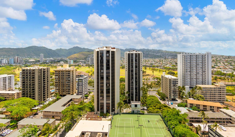 229 Paoakalani Ave Unit 2703-large-004-1-Paoakalani Ave 2703 Honolulu-1500x874-72dpi.jpg