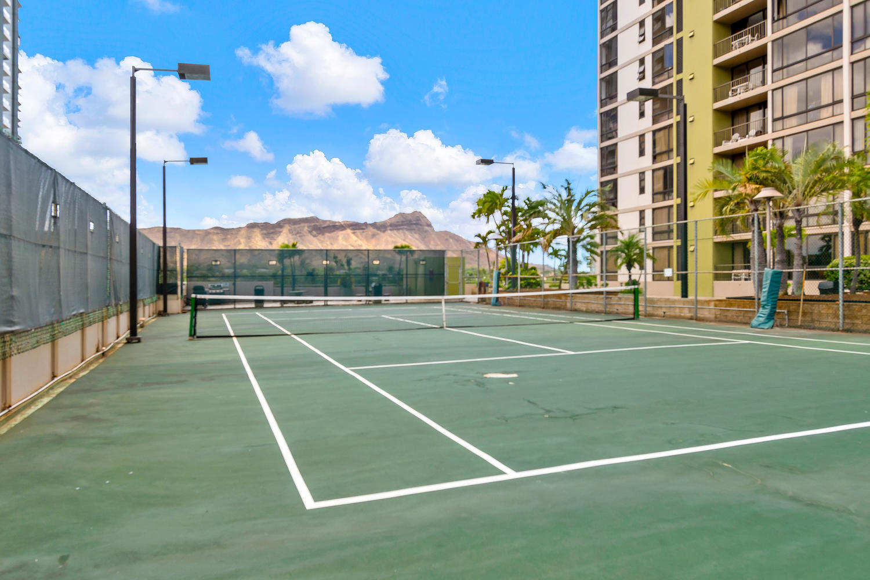 229 Paoakalani Ave Unit 2703-large-018-12-Paoakalani Ave 2703 Honolulu-1500x1000-72dpi.jpg