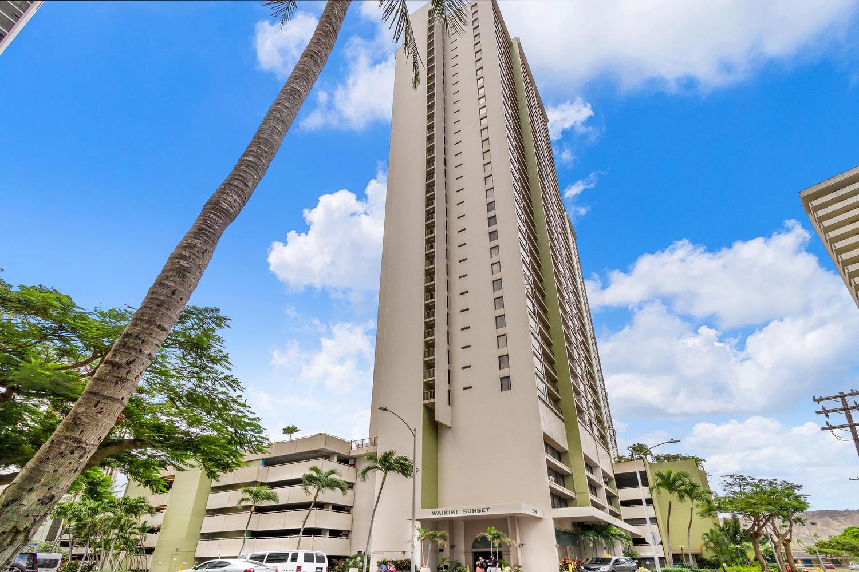 WAIKIKI SUNSET   Year Completed: 1979