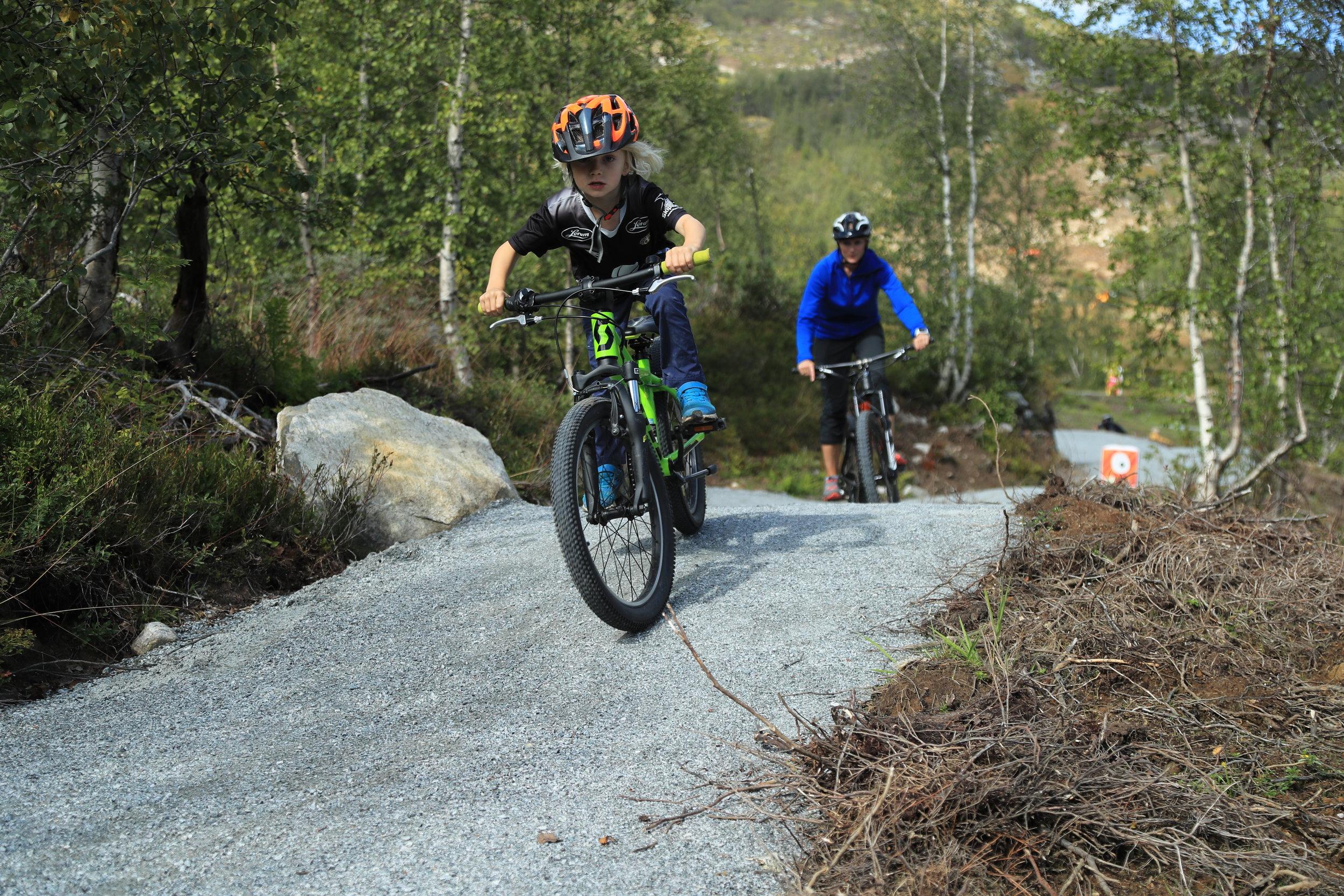 Bli ein god syklist i trygge omgjevnader. Den nye løypa er tilrettelagt for born i alle aldrar