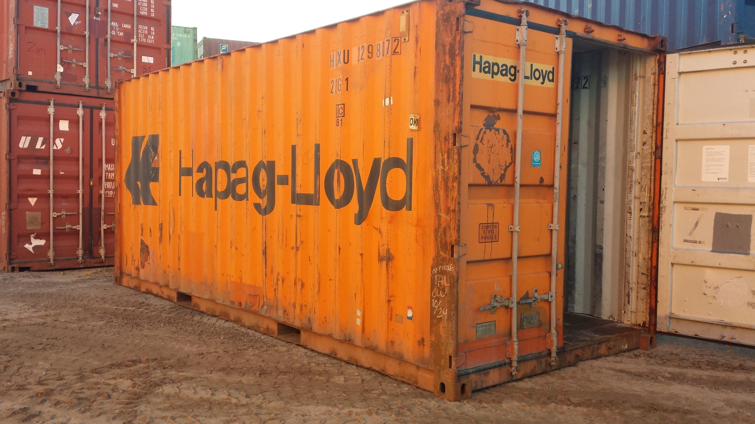Wing and watertight 20' container
