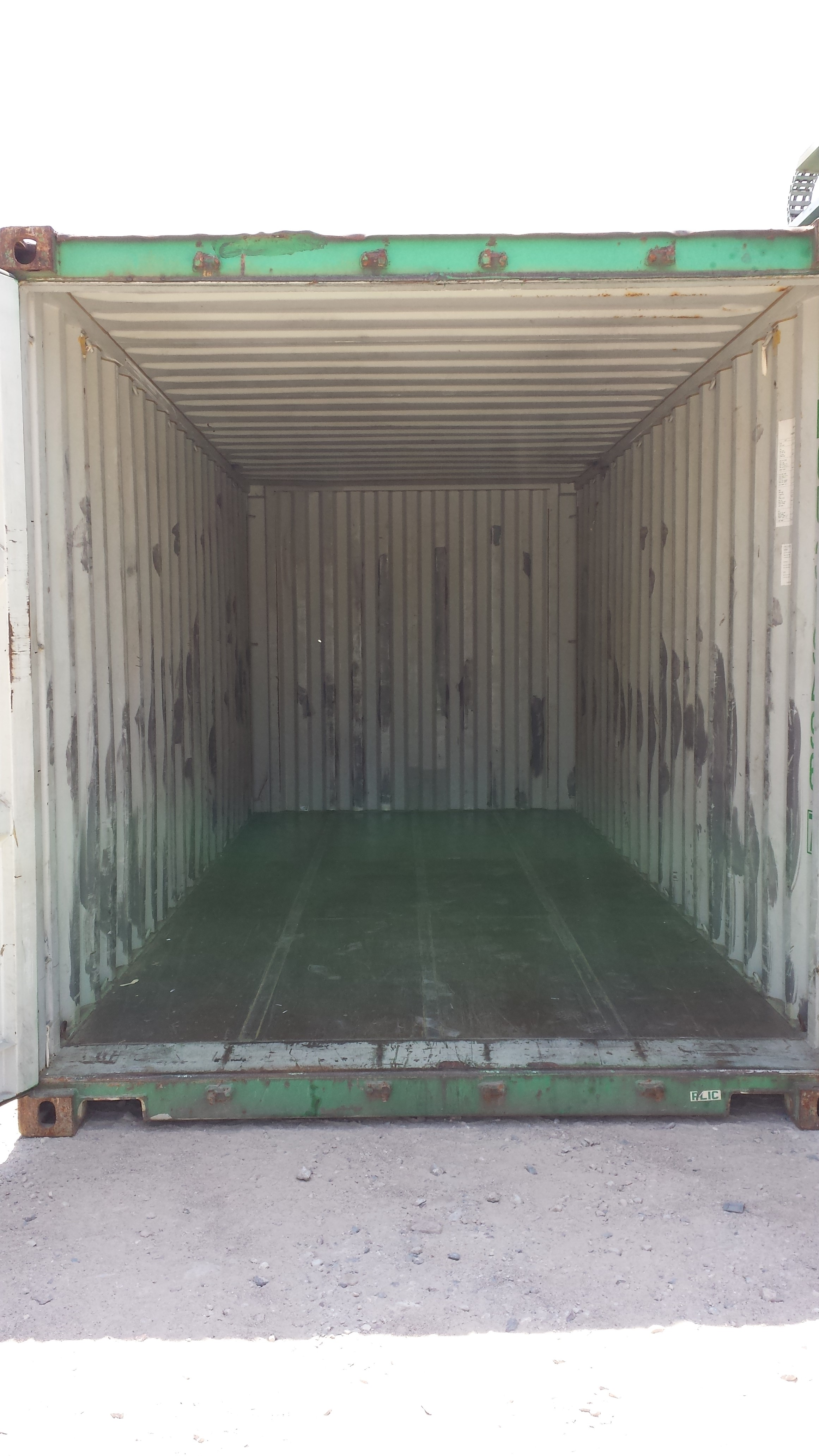 Inside wind and watertight 20' container