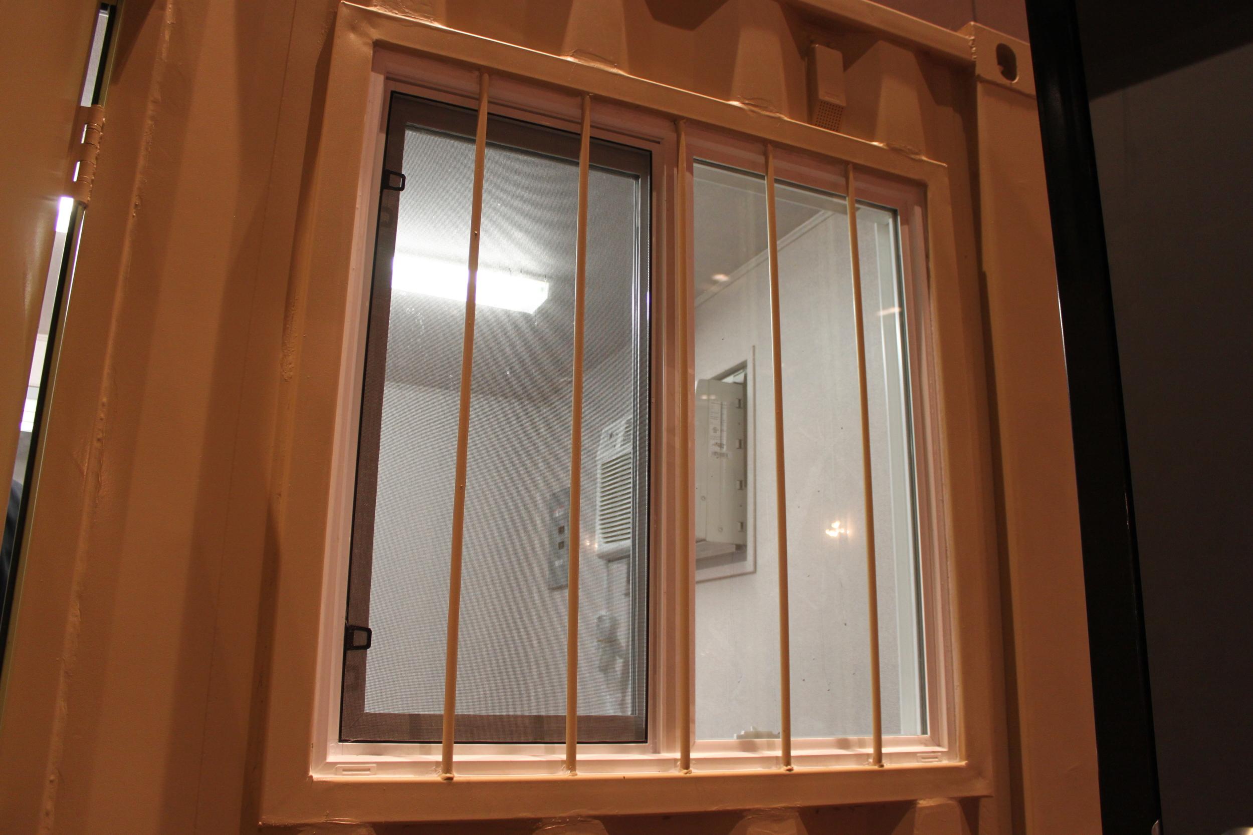 Window kit with bars